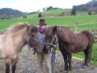Birgit mit Gigia und Grýla